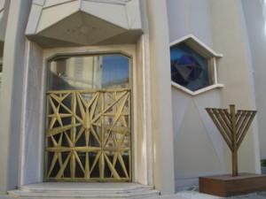 Tempio Maggiore, outside and inside. Photo by Elin Schoen Brockman.