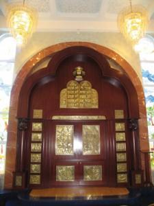 Yitzhak Avinu Synagogue. Photo by Esther Hecht.