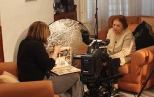 Bea Lewkowicz (left) interviews Jacqueline Khalastchi. Photo courtesy of Sephardi Voices UK.