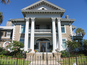 The former home of onetime Galveston mayor Isaac Herbert Kempner. Photo by Esther Hecht.
