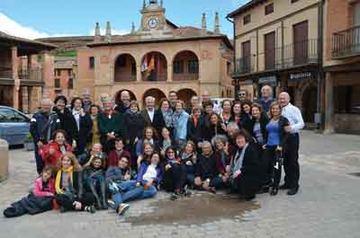 A group shot of the Ayllon families during their visit to Spain.