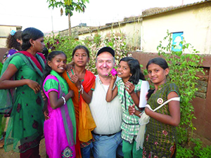 Jacob Sztokman with students enrolled in GPM-assisted schools. All photos courtesy of Gabriel Project Mumbai.