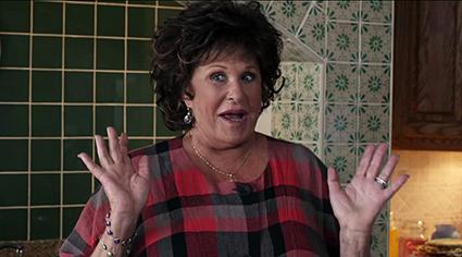 Lainie Kazan plays Maria Portokalos.