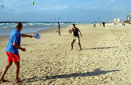 Matkot, Israel's Beachside Ball Game