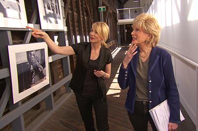 Stahl (right) on assignment, interviewing Oscar-winner Cate Blanchett.