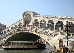 The Rialto bridge. Photo by Ofir Barnea.