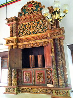 The Ark at the Chendamangalam synagogue.