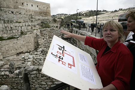Archeologist Dr. Eilat Mazar from the Hebrew University revealed wall of the ancient city in Jerusalem on Feb 22,2010.photo by Abir Sultan/Flash 90